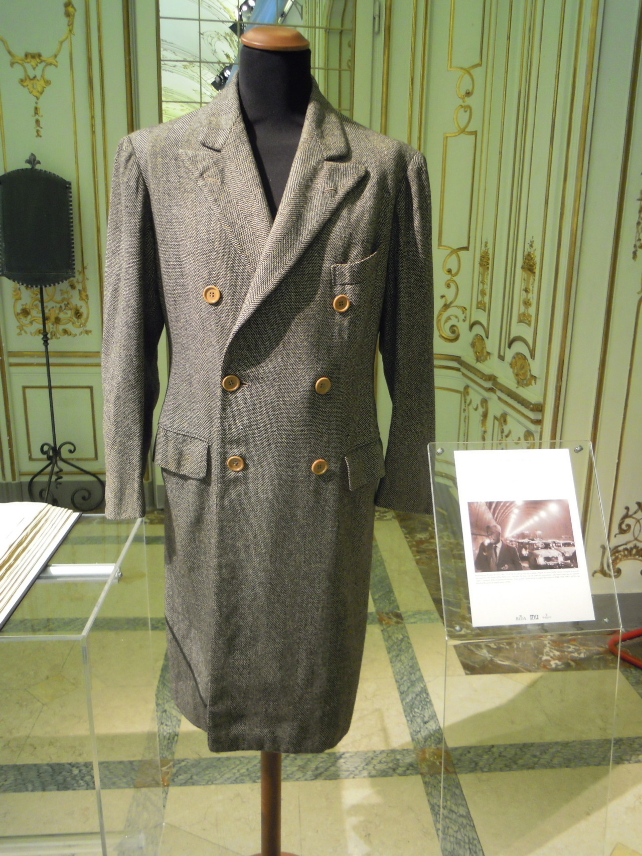 A wool unlined overcoat from the wardrobe of Vittorio De Sica, London House - Rubinacci, 1953. On display at the exhibition, Tessuti e sartoria: una storia italiana. Milan, Circolo della stampa.