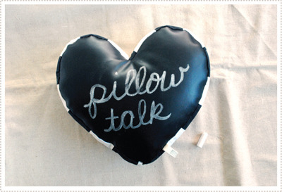whynotjustdiy:  Make your own chalkboard pillow-talk pillow! cute idea for leaving little messages to your boyfriend/girlfriend :D or even just writing cute stuff on it to add some flair to your room! click the image for the tutorial :D