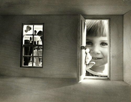 Doll House Peek  Photo: Jerry Williams 1976