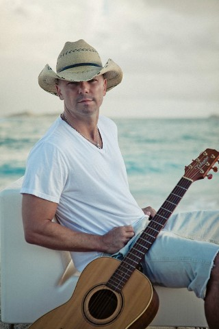 I am listening to Kenny Chesney                                                  135 others are also listening to                       Kenny Chesney on GetGlue.com