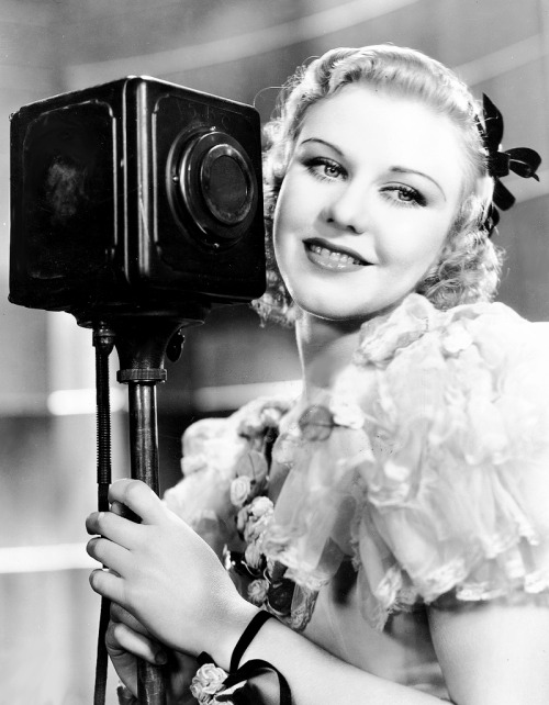 lucynic83:  Ginger Rogers photographed for Gold Diggers of 1933