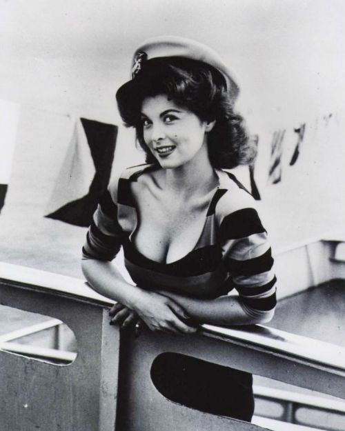 Tina Louise http://nickdrakes.blogspot.co.uk