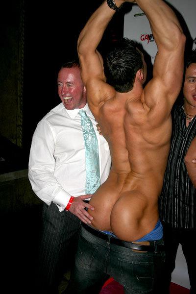 thegoodsadist:  Gorgeous back and butt.