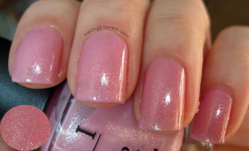 opi - pedal faster, suzi hmmmmmmmmm. this is a nice, light pink. not really my style, though? i think it needs glitter…