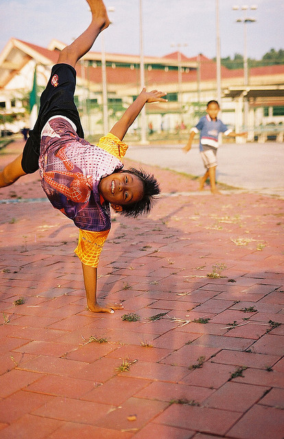 fruit-of-life:  Breakdancing in Brunei by BoazImages on Flickr.
