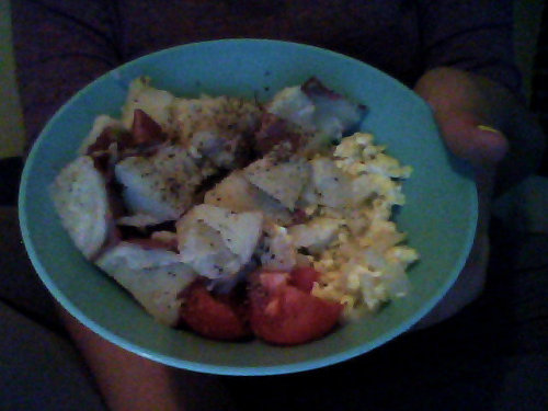 2 scrambled eggs w/ chopped onions  red potato w/ salt & pepper a small tomato  & tea sweetened with zero calorie sweeteners :) =  353 calories oh. my. god. this is delicioussssss.  *pats myself on my back* ima master chef  now back to watching teen wolf c: