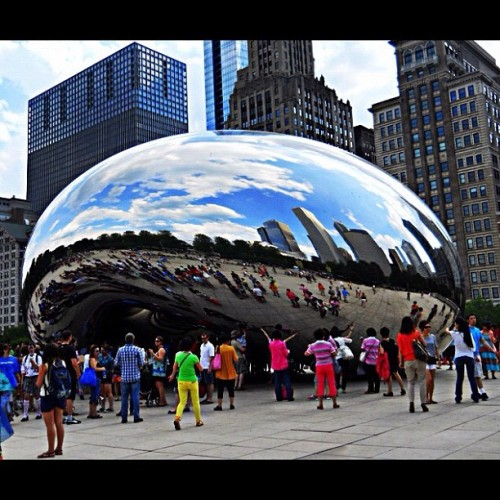 Apparently this thing is called Cloud Gate. Whatever; it'll always be The Big Shiny Bean Thing to me! (Taken with Instagram)