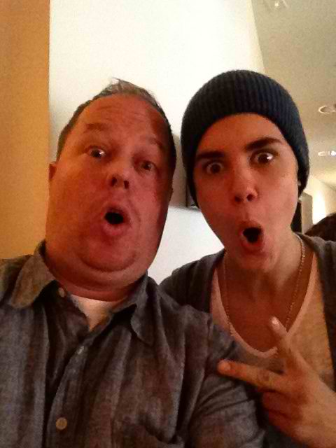 """Good Morning! Just interviewed @justinbieber ! Here's a pic! We'll air the interview tomorrow at 7:35 on @1035KTU"""