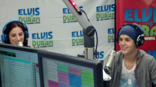 @David_Brody: Our boy @JustinBieber in studio with us @elvisduran @ElvisDuranShow #Believe # Bieber http://t.co/j9FNCItq