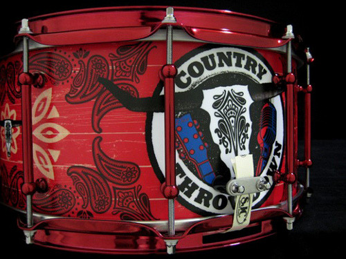 Want to win a custom Country Throwdown snare? Check out the rules on the Country Throwdown website and don't miss out!