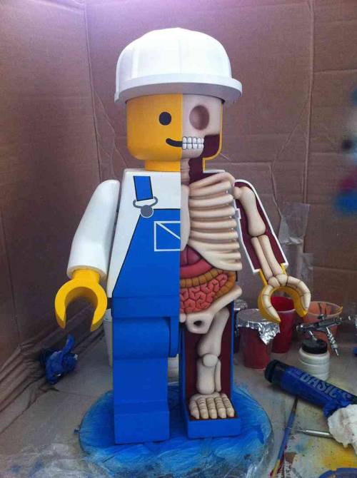 Dissecting giant lego men - Awesome.I love (Jason Freeny) @freeny's artwork.Check out more from him here.