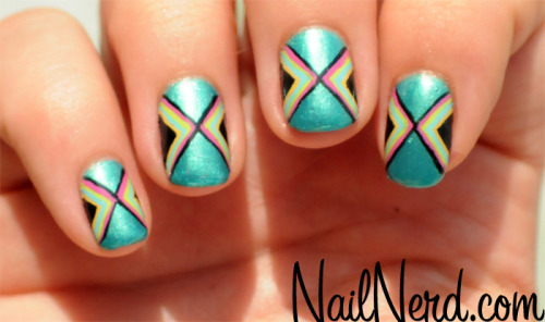 nailnerd-com:  Triangle manicure on a base of Cherimoya Vernis Classique's Lost At Sea