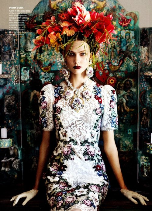 via slackerparexcellence: dolcegabbana:  Karlie Kloss in Dolce&Gabbana for Vogue UK, shot by Mario Testino