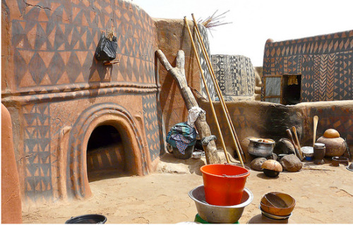 Painted homes Tiébélé Village, Burkina Faso (via)