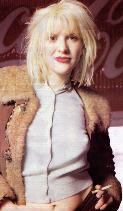kurtandcourtneydaily:  Courtney Love, 1994.