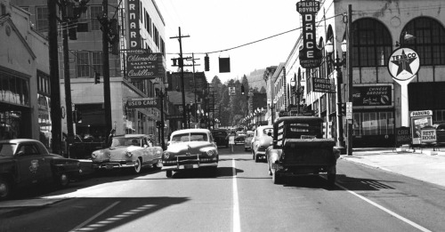 lylaandblu:  Portland, Oregon - 1953love you, you sweet town you.