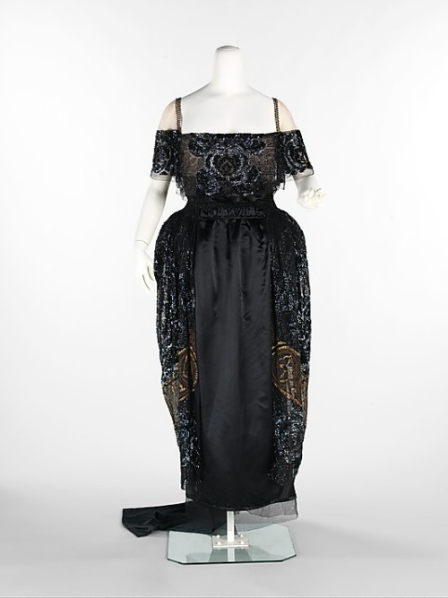 omgthatdress:  Dress Weeks, 1918-1920 The Metropolitan Museum of Art