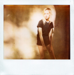 Two things we love here at RED11, golden hour and polaroids, and we think JOHN CIAMILLO captured LILI SUMNER perfectly with both in this simple shot. Absolutely stunning.