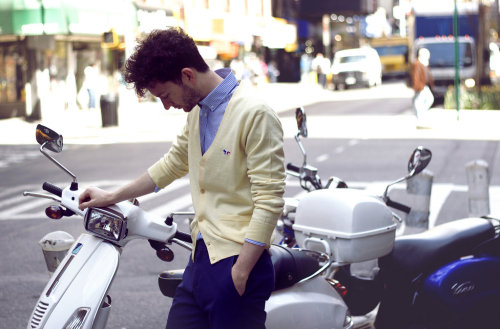 brunoost:  Maison Kitsuné. A great look w/ blue and light yellow!