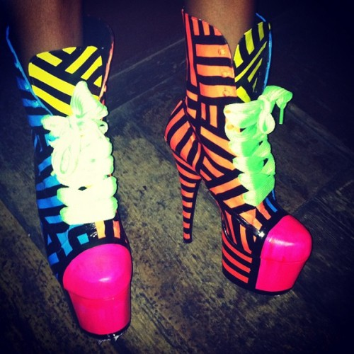 I like them FAT! My laces in my #BARBEEBOOTZ THESEPINKLIPS.COM