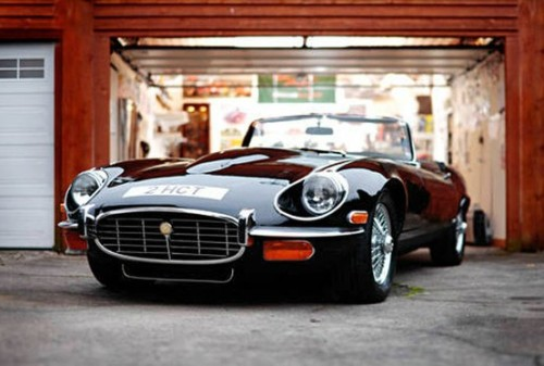 lifestyleoftheunemployed:  Lifestyle of the Unemployed  Jaguar E-Type Series III – 1974