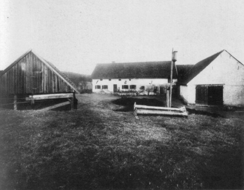 theoddmentemporium:  Hinterkaifeck On March 31, 1922, a farmstead 70km north of Munich became the scene of one of Germany's most infamous unsolved crimes. Living there at the time were Andreas Gruber (63), his wife Cäzilia (72), their widowed daughter Viktoria Gabriel (35), and her two children Cäzilia (7) and Josef (2). Six months prior, a maid at the farm quit after complaining that the place was haunted. The new maid arrived just in time to be among the victims. A few days before, Andreas told neighbors about finding footprints in the snow leading to the farm but none leading away. He also talked about strange noises in the attic. One by one, everyone but Josef and the maid were all somehow lured to an outbuilding where they were savagely killed with a pickaxe. The murderer then went into the house and finished the job. Nothing was taken, ruling out robbery as a motive. An autopsy later revealed that the girl had been alive for several hours after her attack, and that she had torn out her hair in tufts. The skulls of all six victims were sent to Munich so that clairvoyants could have a go at solving the mystery. They were never returned, and the bodies were ultimately buried without heads. Perhaps most chilling of all, neighbors saw smoke issuing from the chimney for several days after the murders, and when the authorities finally discovered the crime scene they determined that the cattle had been fed and several meals prepared in the kitchen after the fact. At the time and over the intervening years, over 100 suspects have been interviewed, and several theories developed, but the case remains unsolved. [Source] MORE.