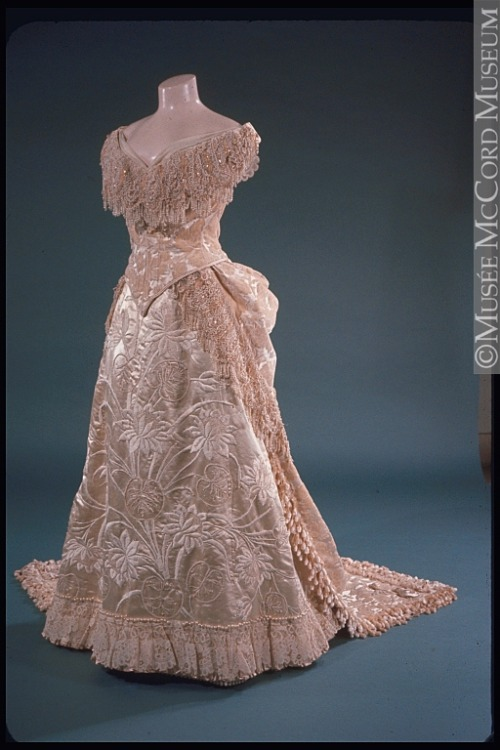 omgthatdress:  Dress 1885 The McCord Museum