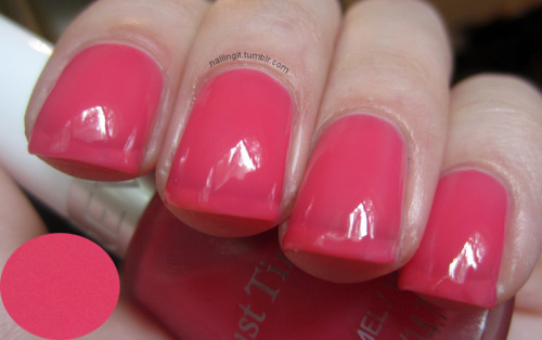 revlon - victorian barbie pink jellaaaayyyyyy (i wore this for layering purposes as i don't like seeing that much visible nail line! but here it is on it's own.)