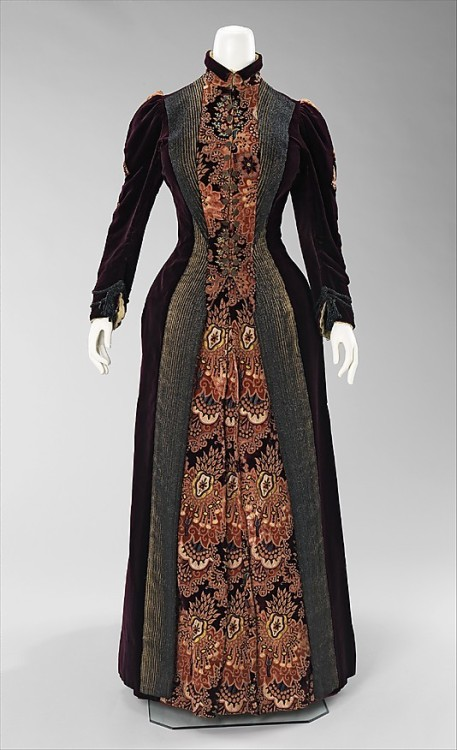 omgthatdress:  Dress 1888 The Metropolitan Museum of Art