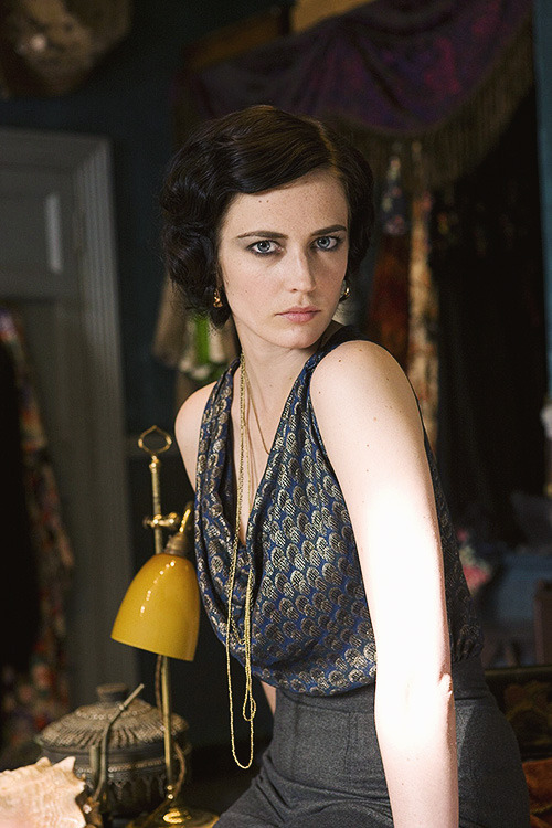 bellatirx:   Eva Green in Cracks (2009)