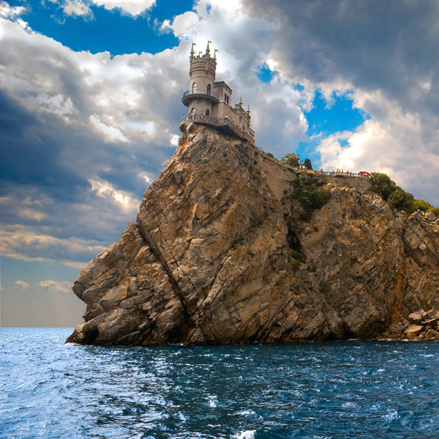 1wantchange:  Swallow's Nest Castle - Yalta, Ukraine