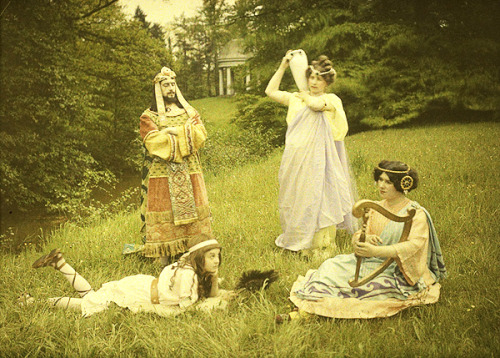 "vintagesonia:  Autochrome photograph titled, ""Groupe antique composition"", 1912"