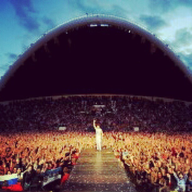 This time last year.. oh, Tallinn.. @jaredleto @30secondstomars @shannonletto @tomofromearth  (Taken with Instagram)