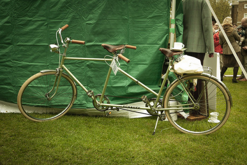 Tweed_Run_London_May_2012 (69 of 137) by NONUSUAL on Flickr.