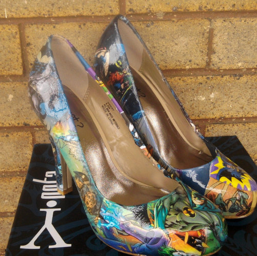 AMAZING Batman Comic high heels.  (via Batman Comic book high heels Not vintaged by FaithisFabulous)