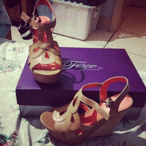 #heels #fergie #pacifica #teakwood @mariireyes I got them too ^.^  (Taken with Instagram)