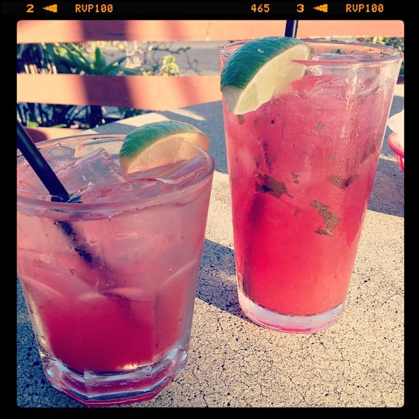 #happyhour #drinks #strawberry #yummy #hawaiilife #haynaloha #iloveeefood #iphonesia  (Taken with Instagram at Kanpai Bar & Grill)