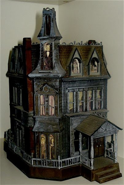 ninadelamorte:  The Addams Family Mansion - Doll House  I need this.