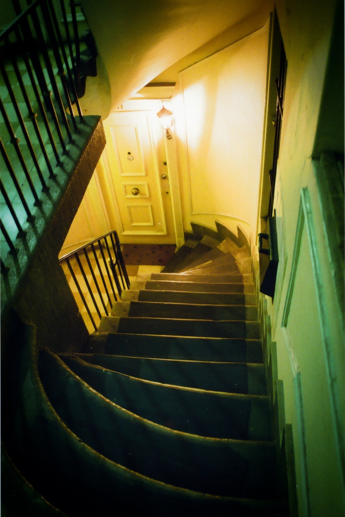 – Stairs Kodak Pro Image 100 forced to 400 Mamiya Lens 28mm