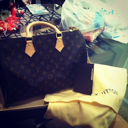 my new baby❤❤❤ LV speedy 35 w/ shoulder strap😍😍😍 #fashion #graduation #gift #louisvuitton #lv (Taken with Instagram)