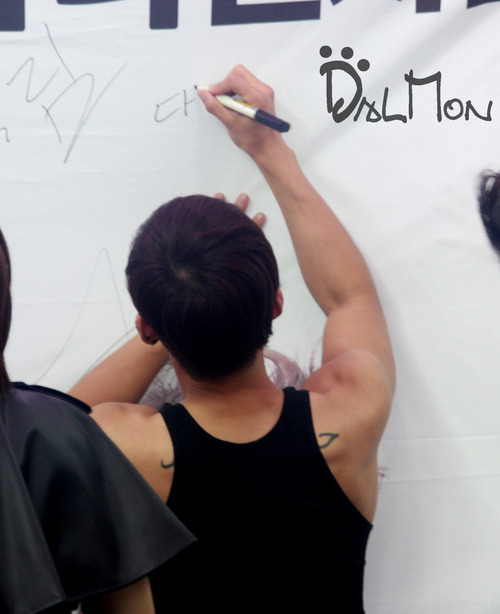 look at Daniel's back. Now I believe it.