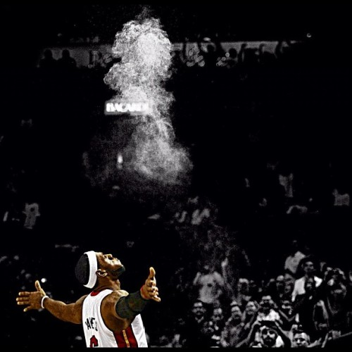 KING LEBRON! - Miami Heat : NBA Champions 2012 #miamiheat #nba #lebronjames #kinglebron #lb #heat #champions #nbafinals #mvp (Taken with Instagram)