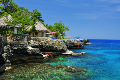 visitheworld:  Exotic resorts and villas on the caribbean coast, Jamaica (by One Love Jamaica).