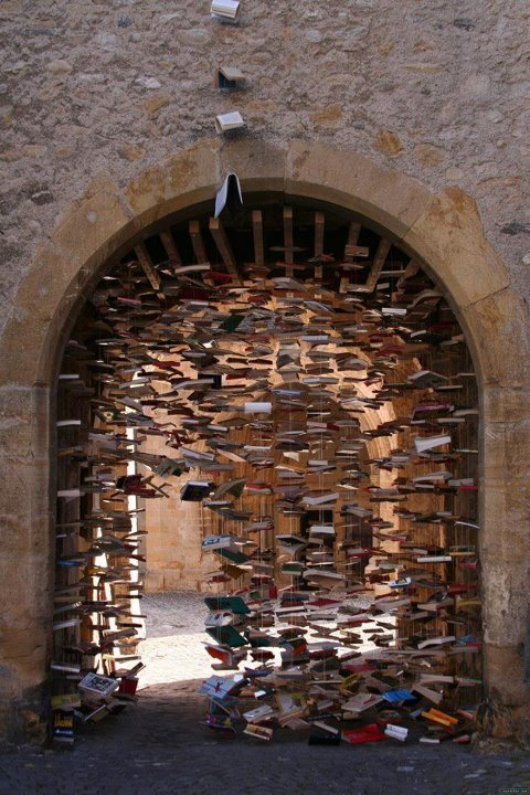 book art installation by Jan Reymond