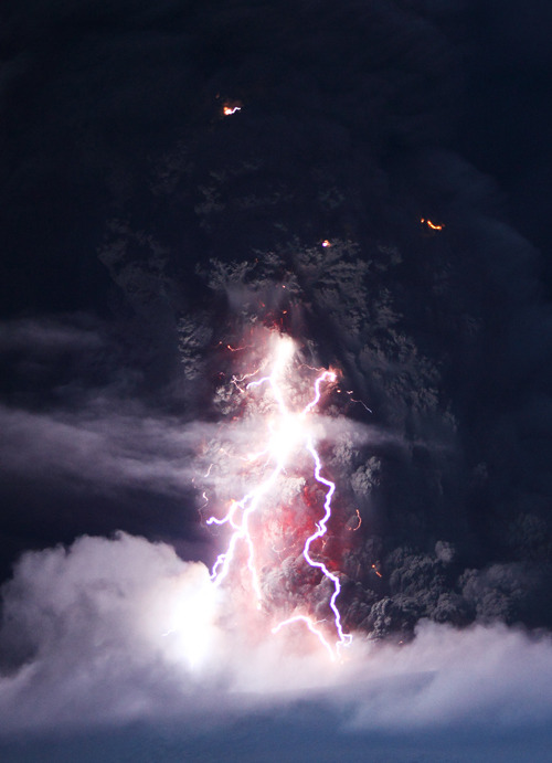 weshallneverstop:  The Dark Tower  |  Skarphedinn Thrainsson  Lightnings skrike in the dark moody ash cloud over the erupting volcano Eyjafjallajökull in south Iceland, April 2010.