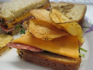 hellogiggles:  LISTS OF STUFF: THE ALL-TIME BEST SANDWICH AND CHIPS COMBINATIONSby Annie Stamell  There is almost no sandwich I won't put chips in. Yes, I said IN.