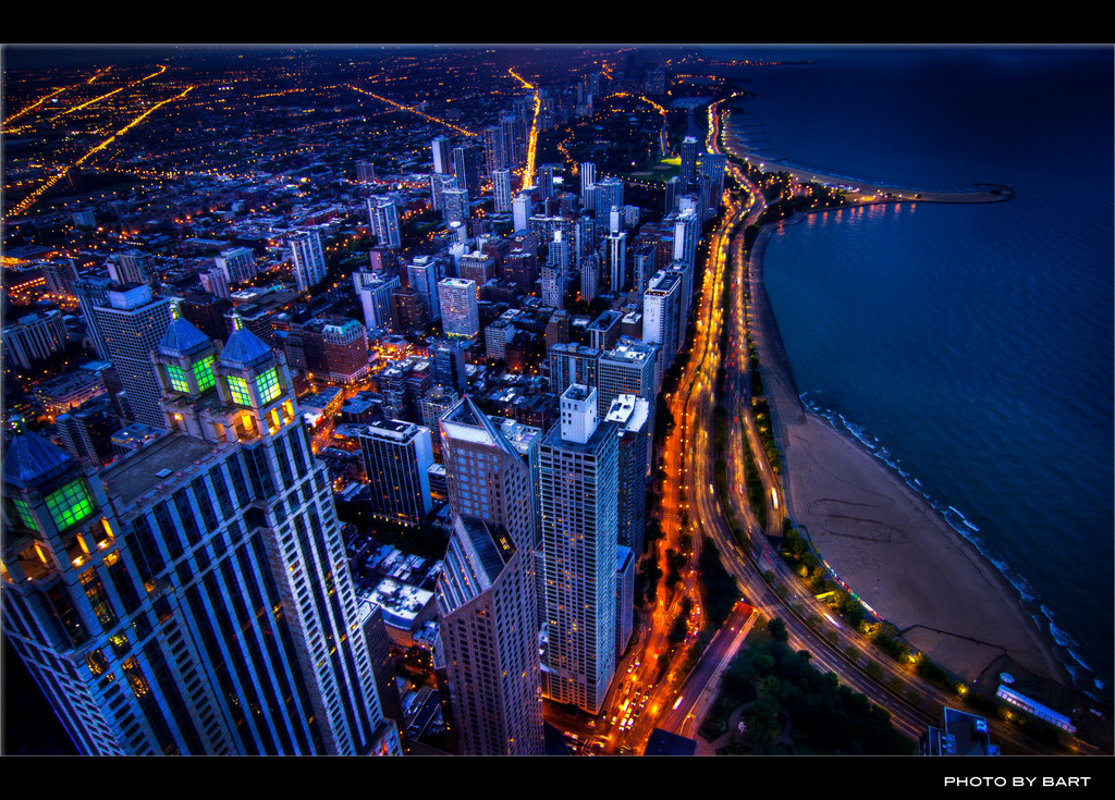 Downtown Chicago skyline (by BartPhotography)