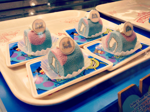secretagentboo:  Monsters Inc Roll Cake, @ Tokyo Disneyland May 2011