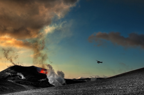 inspirens:  Volcano Plane by Iceland Aurora (Photo Tours) on Flickr.