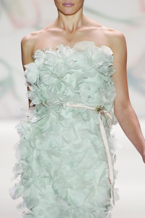Monique Lhuillier, Spring 2011 Ready-to-Wear Ieva Laguna